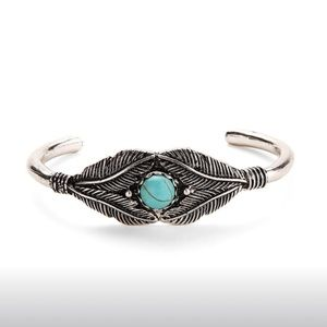 Jewelry - Silver feather & turquoise cuff bracelet